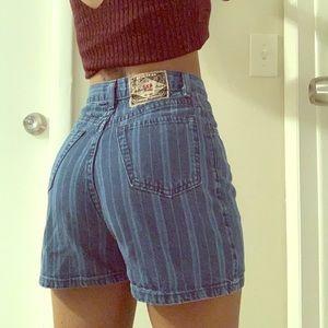 Vintage High-Waist Style Denim Shorts